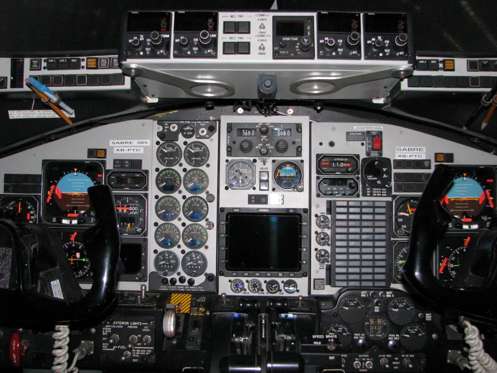 465-72 cockpit